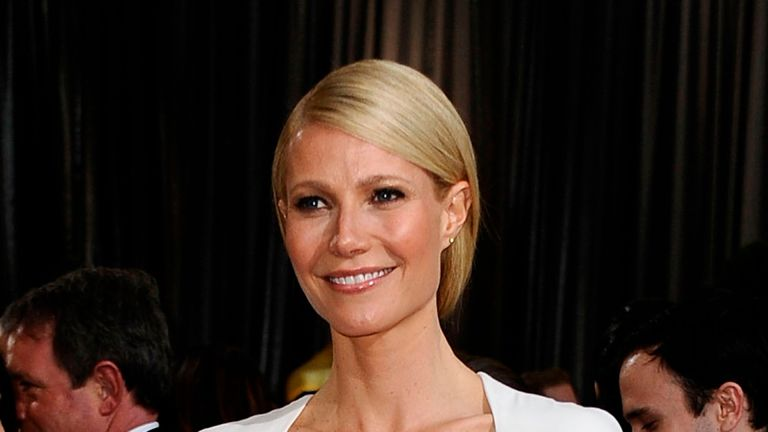 HOLLYWOOD, CA - FEBRUARY 26: Actress Gwyneth Paltrow arrives at the 84th Annual Academy Awards held at the Hollywood & Highland Center on February 26, 2012 in Hollywood, California. (Photo by Frazer Harrison/Getty Images)