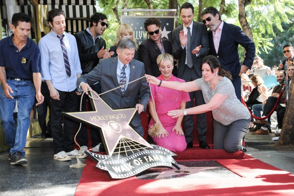 Kaley Cuoco with her co-stars