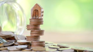 Refinance rush returns as mortgage interest rates hit 2-month low