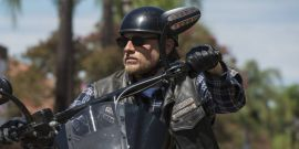7 Superhero Characters That Charlie Hunnam Would Be Perfect To Play