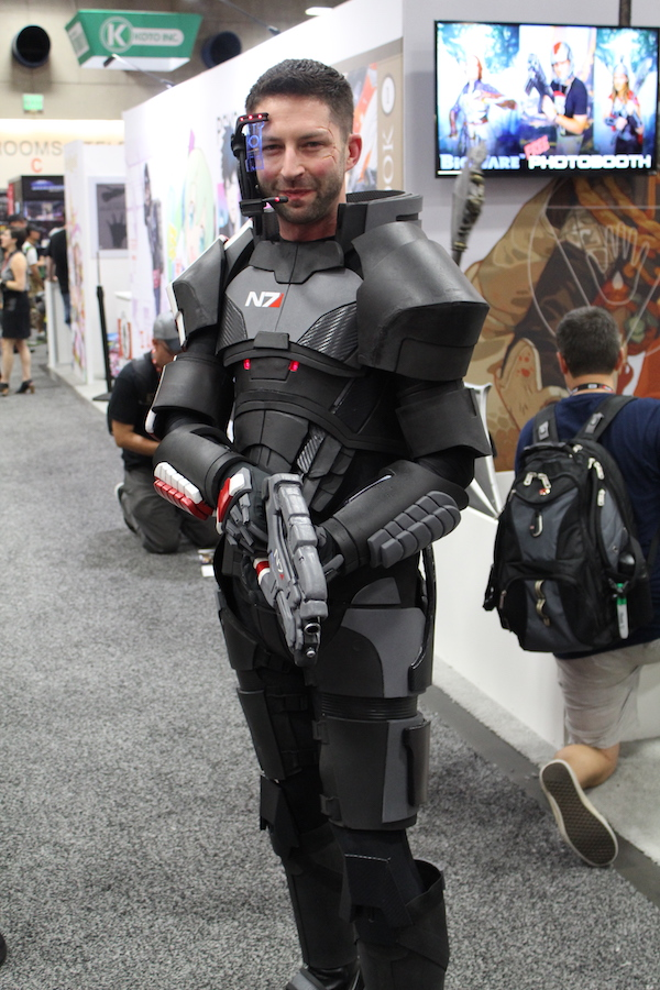 SDCC costume man with gun