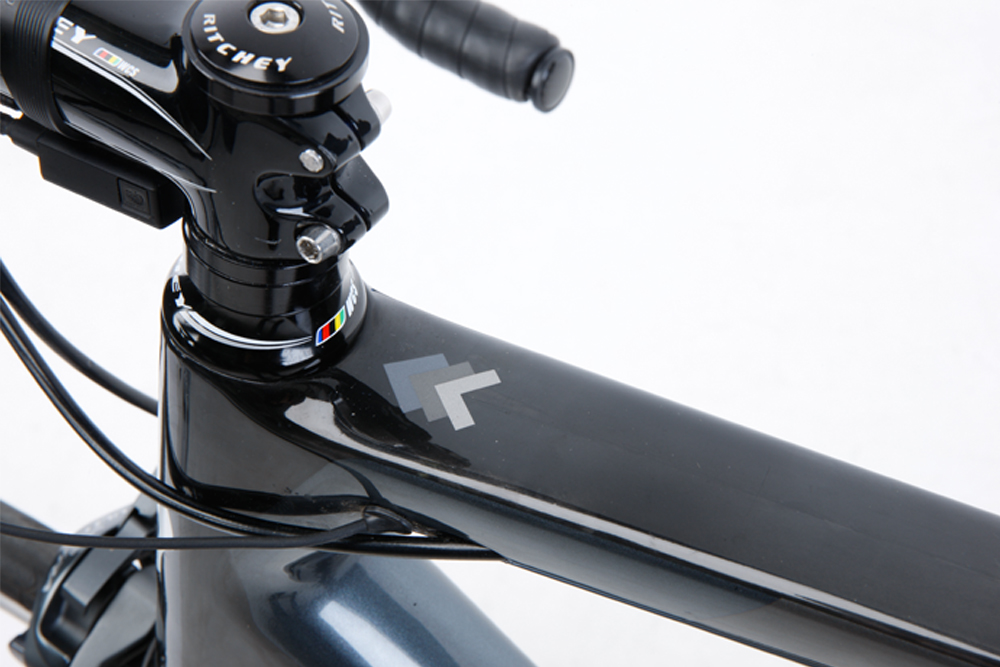 d36a2f61157 Eastway Emitter R1 Ultegra Di2 2016 top tube and headset