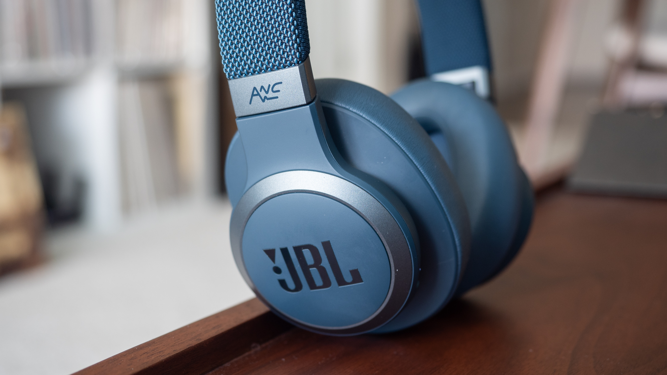 Jbl Live 650btnc Review Techradar