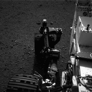 Curiosity's Wheel Moving