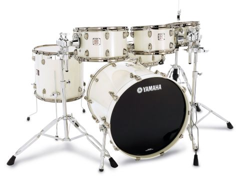 Hexagonally-shaped bass drum spurs offer solid support and fold up neatly for transport