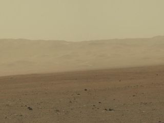 Curiosity has snapped a high-resolution picture of Gale Crater's wall
