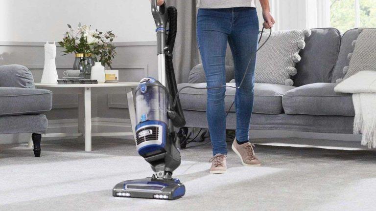 Best Shark vacuum: Shark Lift-Away Upright Vacuum Cleaner [NV601UK], Blue/Steel Grey