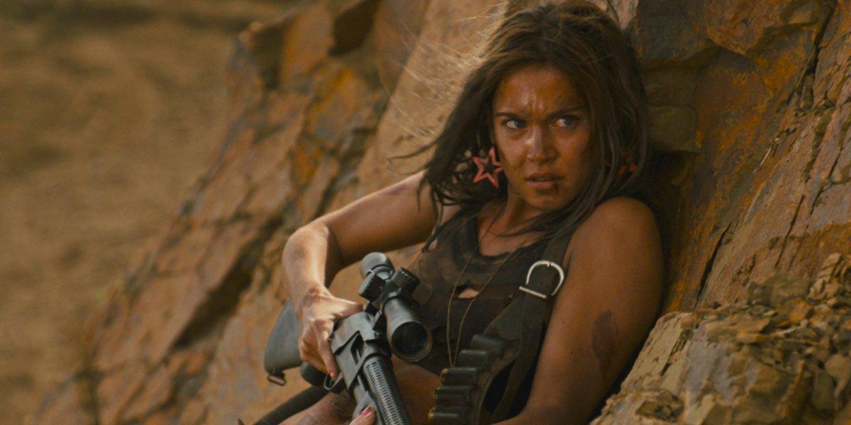 Maya Lutz in Revenge