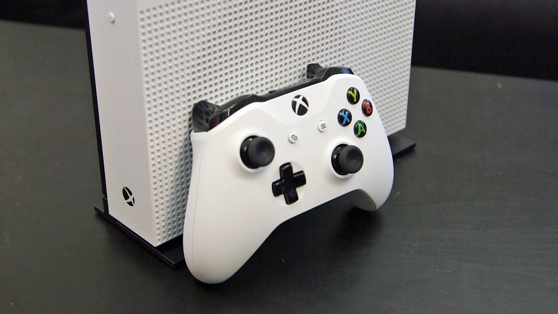 New Xbox One update lets you sign in with your favorite