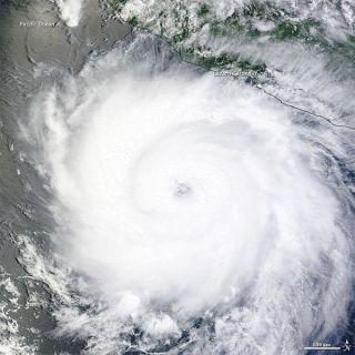 hurricane-dora-110720-02
