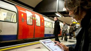 O2 leaps aboard the free London Underground Wi-Fi train