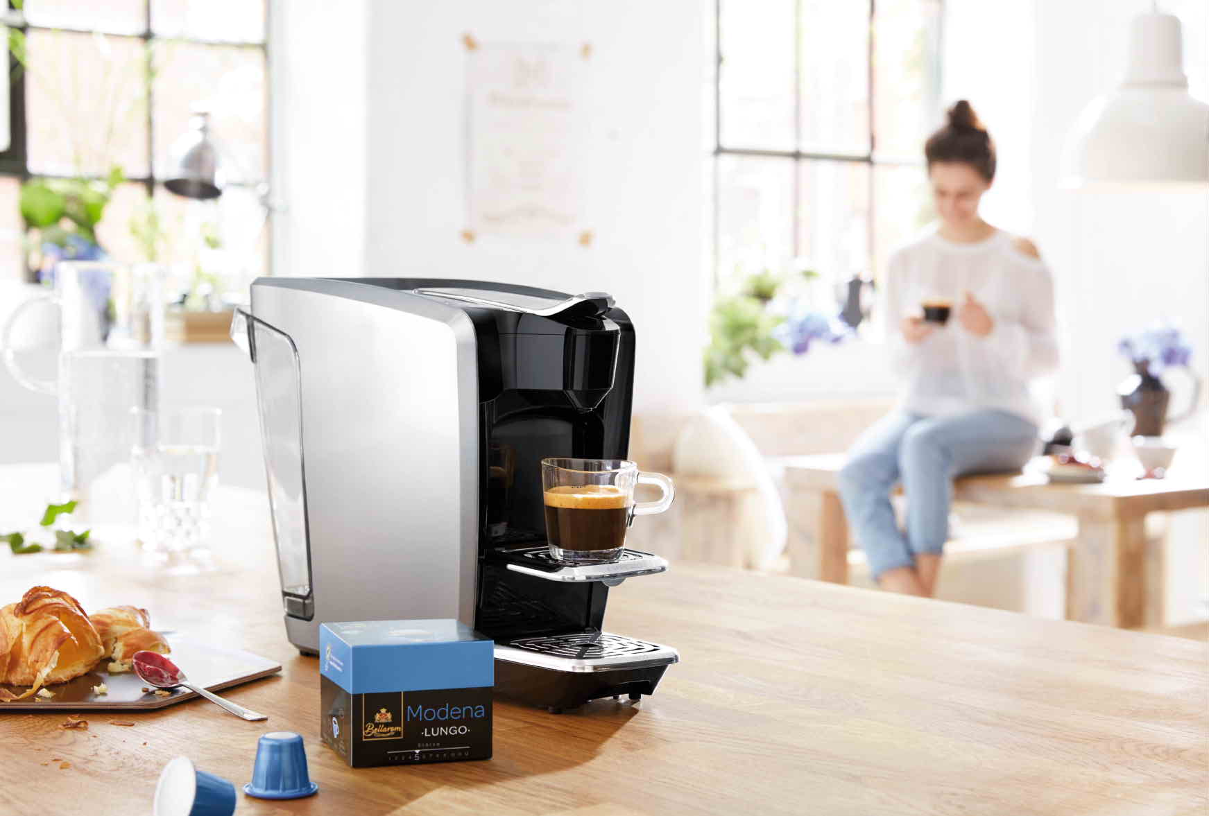 lidl coffee machine customers await launch of new budget. Black Bedroom Furniture Sets. Home Design Ideas