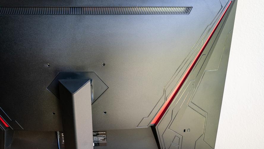 Monoprice Dark Matter 27-inch's back