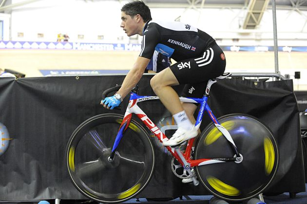 Peter Kennaugh warms up, Revolution 32, January 2011