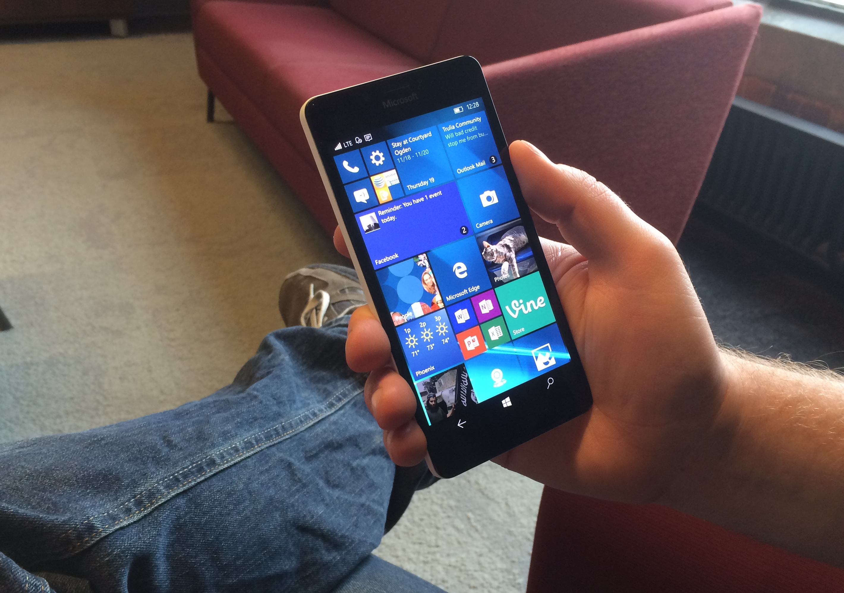 Lumia 950 Review: Windows 10 Phone Meets PC | Tom's Guide