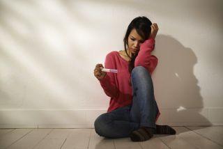 woman pregnancy test