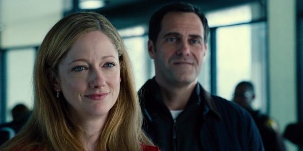 Judy Greer and Andy Buckley in Jurassic World