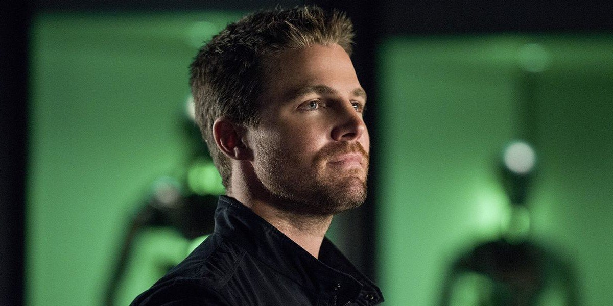 Stephen Amell Is No Green Arrow In Short Shorts For His New Starz Show