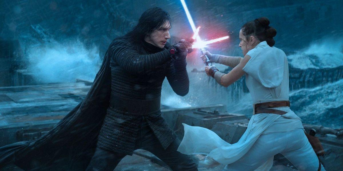 Kylo Ren and Rey lightsaber dueling in Star Wars: The Rise of Skywalker
