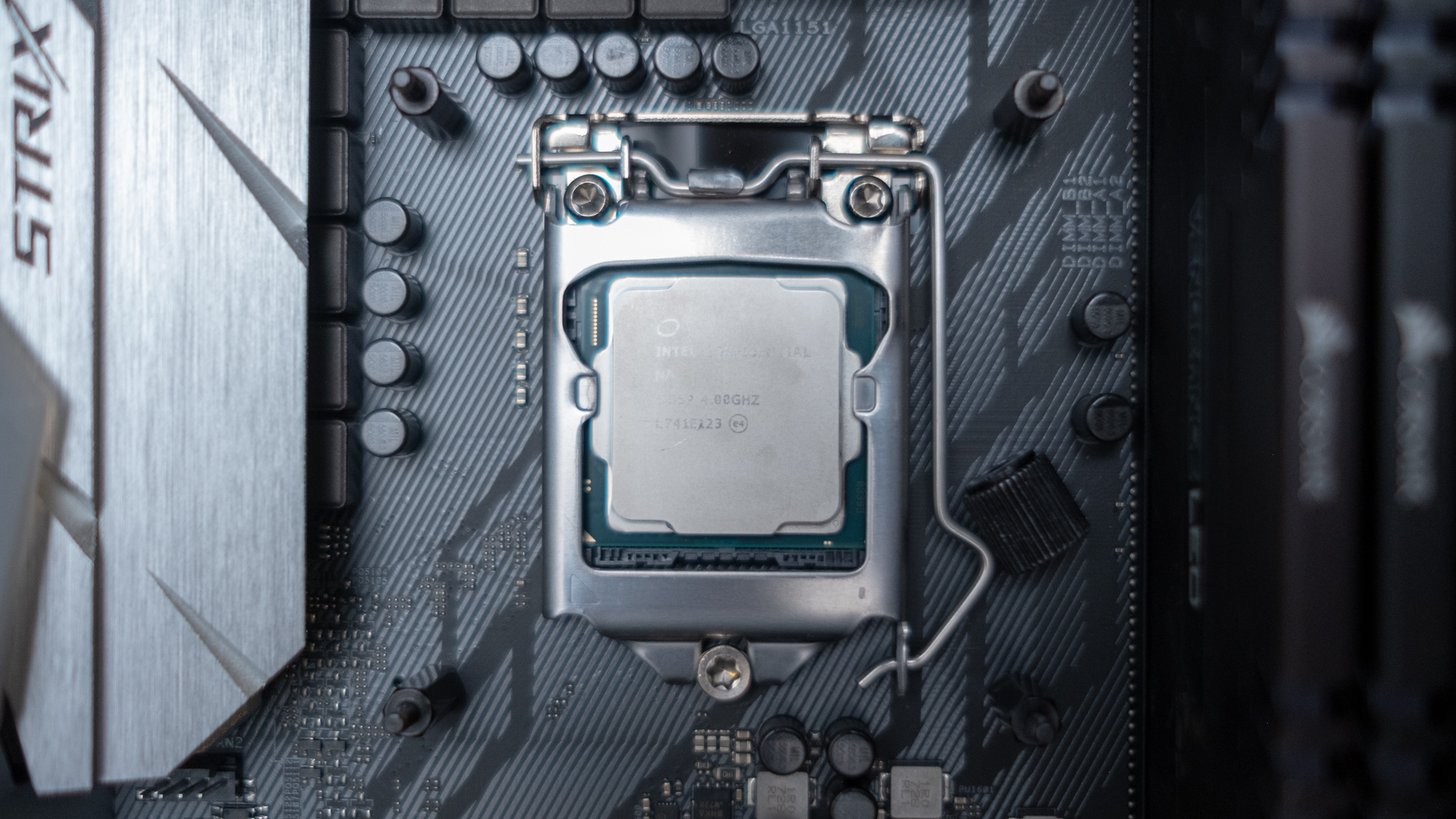 Intel Core i9-9900K leaked benchmark leaves AMD Ryzen 7