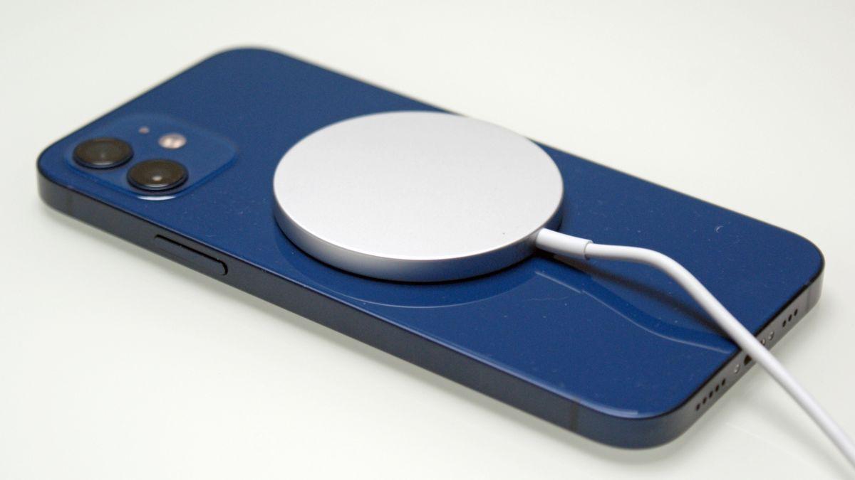 iPhone 13-serien kan ha stöd för snabbare laddning och omvänd trådlös laddning