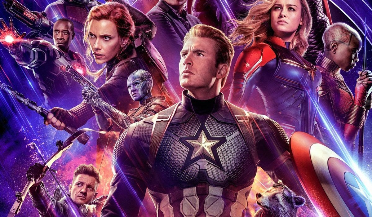 Avengers: Endgame the team lined up for poster action