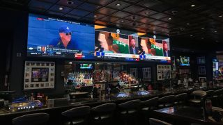 To create an enhanced space for watching sporting events like Vegas Golden Knights hockey games, Treasure Island contracted NanoLumens to design and deliver an ultra-wide 1.8mm pixel-pitch LED videowall that is now the bar's centerpiece.