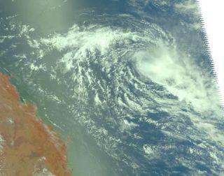 tropical-depression-anthony-110127-02