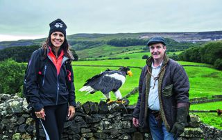 In this second episode of her enjoyable exploration of the nation's loveliest walks, the ever-enthusiastic Julia Bradbury takes us on her favourite fell walk, the ascent of Pen-y-ghent.