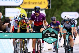 The finish of La Course by le Tour de France 2021 won by Demi Vollering (SD Worx)