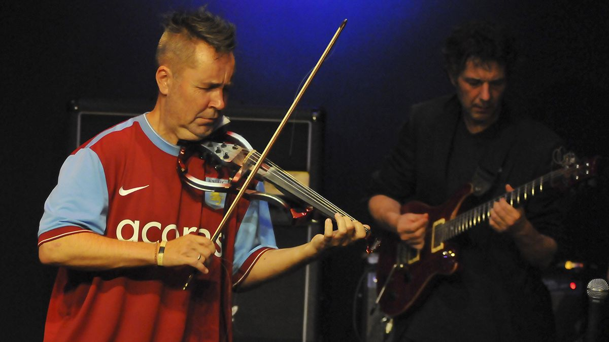 British violinist Nigel Kennedy says that he pulled out of Classic FM show because he wasn't allowed to perform his Jimi Hendrix tribute