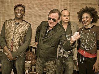 Jack Bruce second from left shows Vernon Reid John Medeski and Cindy Blackman Santana how to swing