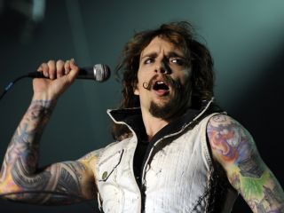 Justin Hawkins' 'new look'.
