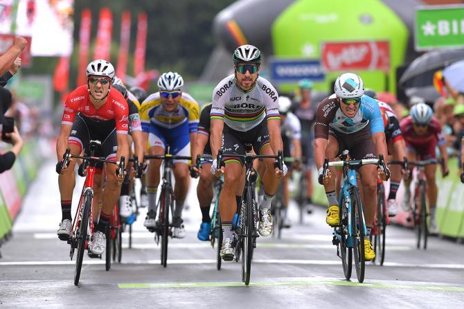 Peter Sagan wins stage 3