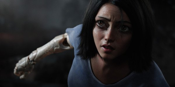 Rosa Salazar in motion capture as female cyborg in Alita: Battle Angel