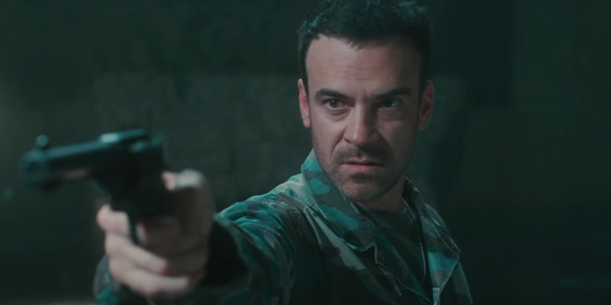 Alan van Sprang in Survival of the Dead