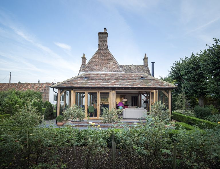 Use our week by week extension planner to stay on schedule: garden room extension wooden