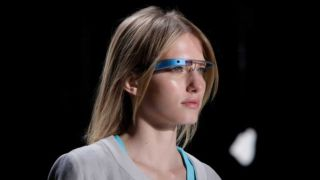 Google Glass specs go online, one-day battery