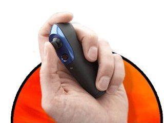 Zeemote handheld controller