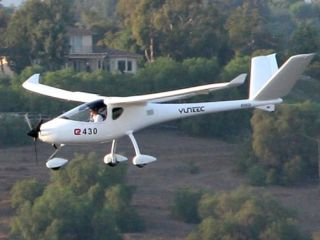The Chinese-British all-electric Yuneec E430 takes to the skies in LA