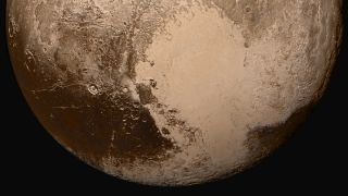 Dark spots of Pluto's Cthulhu region
