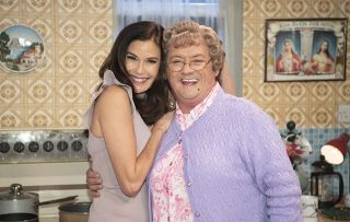 A Round to Mrs Brown's S3