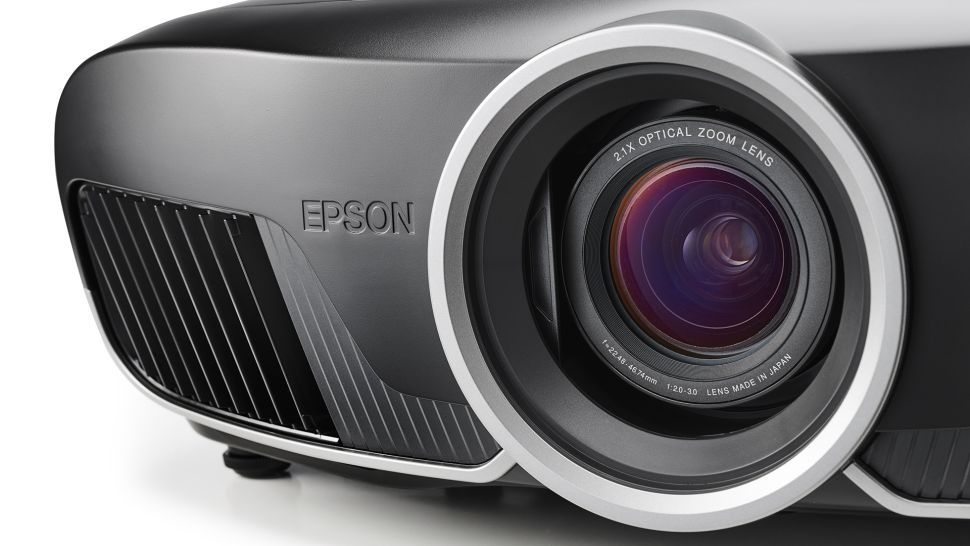 A close up of the lens on the Epson EH-TW9400 / Pro Cinema 6050UB projector
