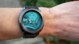Samsung Gear Sport uses a rotating bezel
