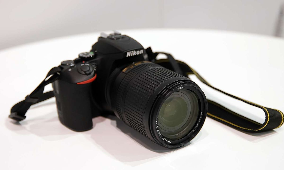 Nikon Makes Sharing Photos Easier with New D5600 DSLR