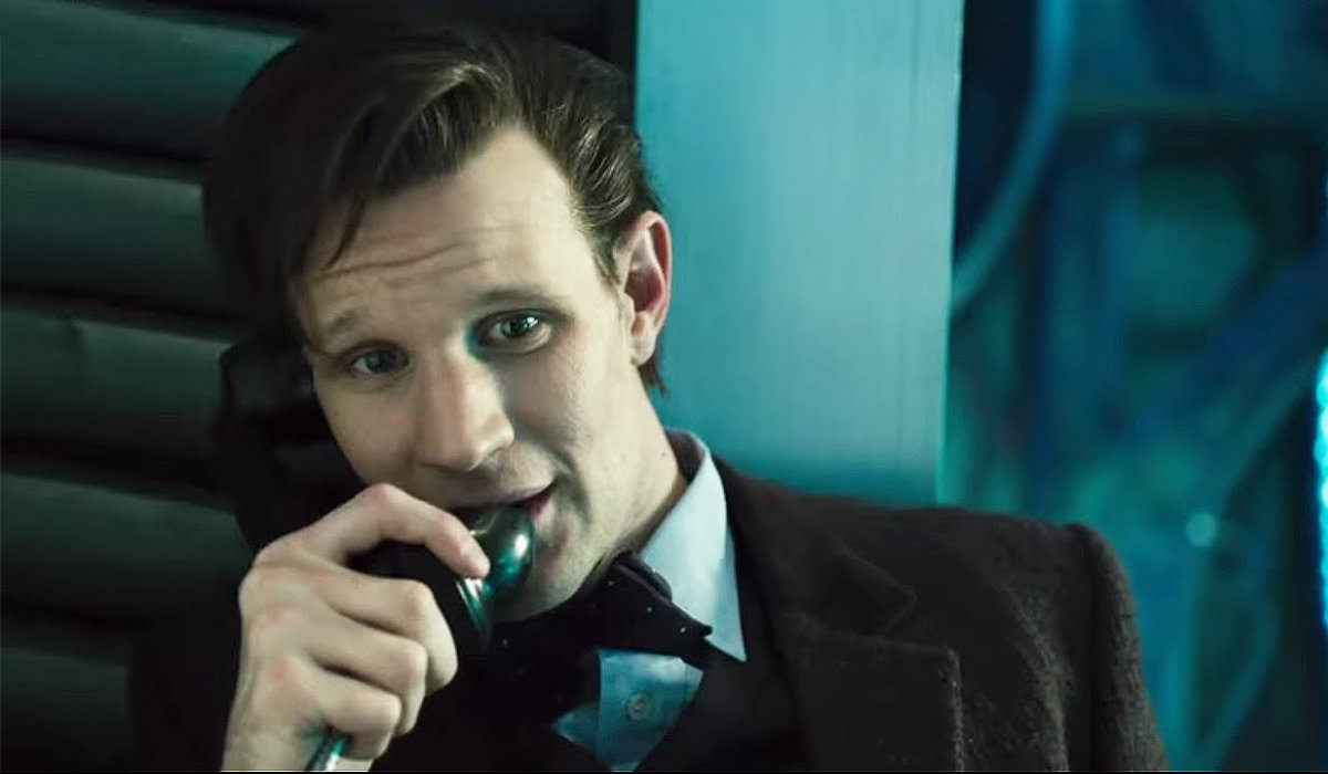 Doctor Who Eleven calls Clara from The TARDIS