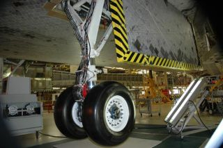 NASA Tests Leak Fix for Shuttle Discovery