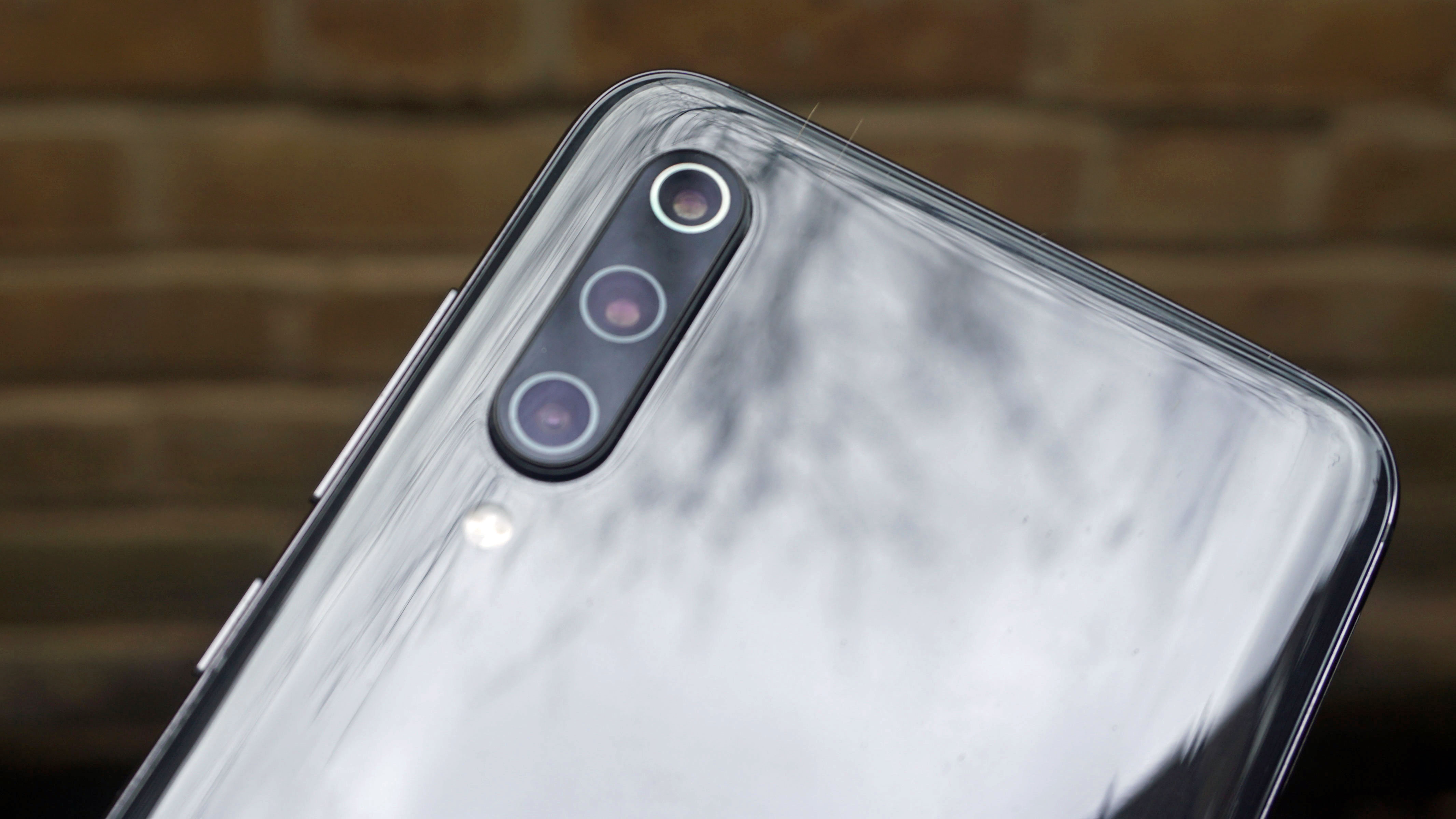 The first smartphone with a 64MP camera could come from
