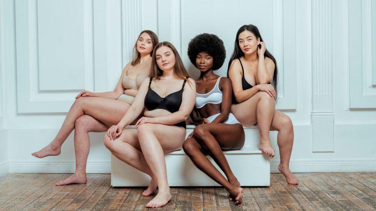 best bra brands: group of women in lingerie
