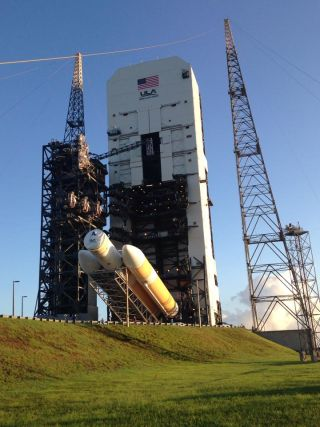 Delta 4 Rocket Moved to Launch Pad for Orion Flight Test